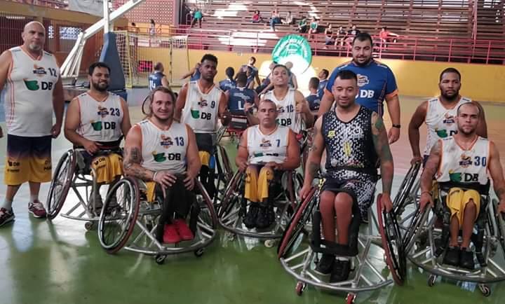 A Equipe APP/ UNIPAM Patos de Basquete em Cadeiras de Rodas segue invicta .